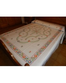 colcha rústica bordada en multicolor. bordados artesanos